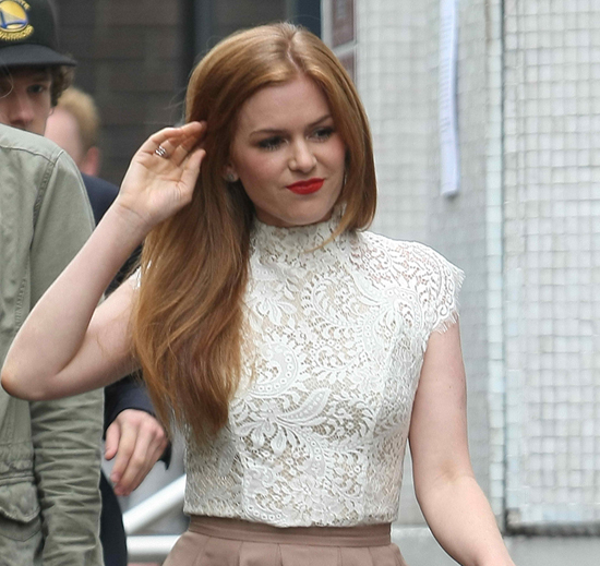 Isla Fisher Lace Top2