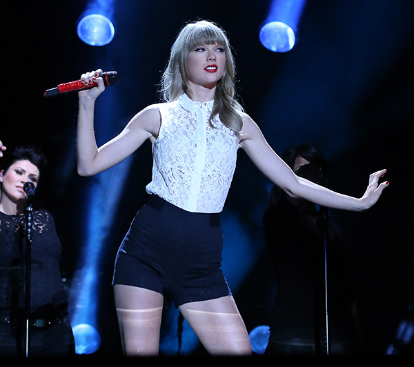 Taylor Swift performs on day 1 on 2013 CMA Music Festival
